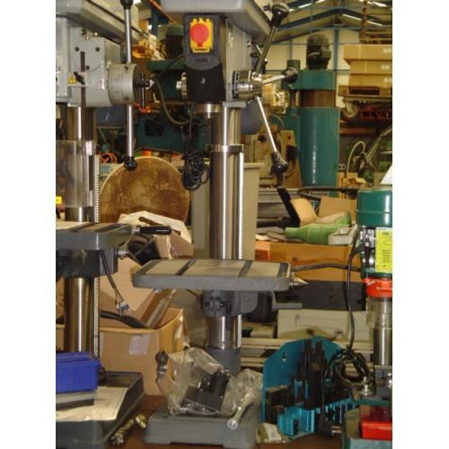 machine klem kolomboormachine